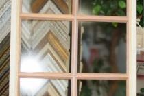 Фальш-окно с  шпросами из деревянного багета с матовым стеклом