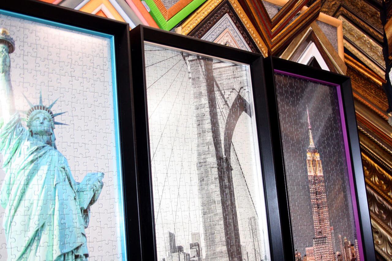 Пазлы в современных багетных рамах стиль Hi-Tech с матовым стеклом.